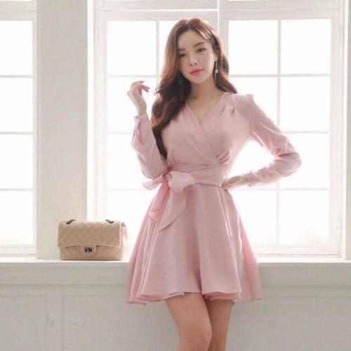 Đầm xoè hồng cột eo dưới 55kg