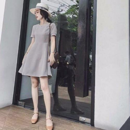 Đầm xoè cơ bản dưới 55kg