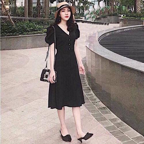 Đầm maxi đen nút nhí dưới 55kg