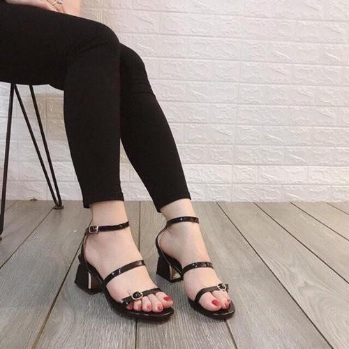 Giày sandal nữ cao gót 3 khóa sang chân phong cách ulzzang hàn quốc quai ngang có màu đen và màu kem sử dụng đi học đi làm đi chơi dự tiệc - 7736588 , 17943531 , 15_17943531 , 169000 , Giay-sandal-nu-cao-got-3-khoa-sang-chan-phong-cach-ulzzang-han-quoc-quai-ngang-co-mau-den-va-mau-kem-su-dung-di-hoc-di-lam-di-choi-du-tiec-15_17943531 , sendo.vn , Giày sandal nữ cao gót 3 khóa sang chân ph