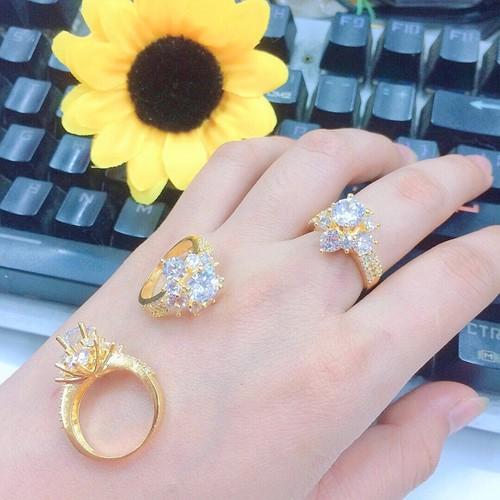 Nhẫn nữ đính hạt cao