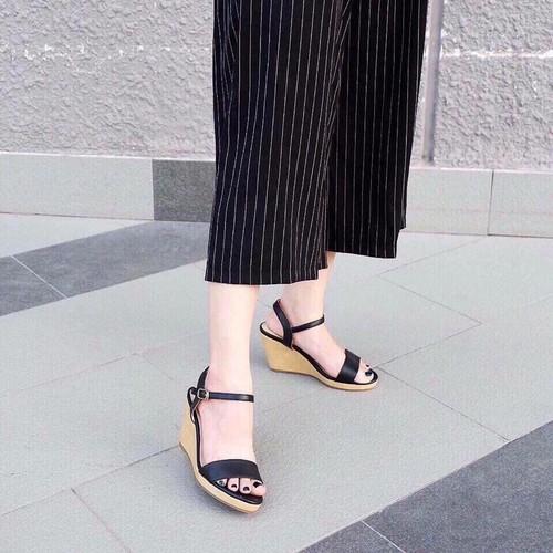 Giày Sandal Nữ Đế Xuồng Đẹp - 4970537 , 17980287 , 15_17980287 , 380000 , Giay-Sandal-Nu-De-Xuong-Dep-15_17980287 , sendo.vn , Giày Sandal Nữ Đế Xuồng Đẹp