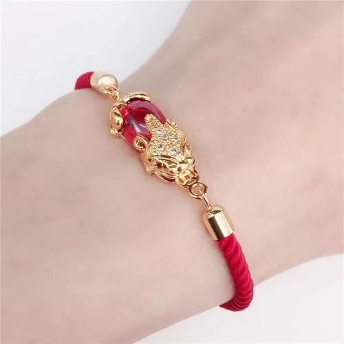 Vòng tay chỉ đỏ kim vàng may mắn bình an tài lộc + tặng kèm hộp đẹp - 8795869 , 17979645 , 15_17979645 , 290000 , Vong-tay-chi-do-kim-vang-may-man-binh-an-tai-loc-tang-kem-hop-dep-15_17979645 , sendo.vn , Vòng tay chỉ đỏ kim vàng may mắn bình an tài lộc + tặng kèm hộp đẹp