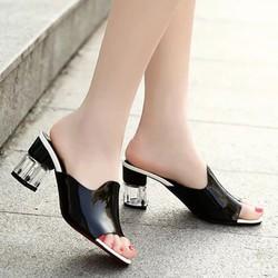 Giày cao gót nữ cách điệu