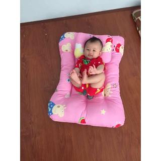Nệm nằm êm ái cho bé sơ sinh kèm gối nằm