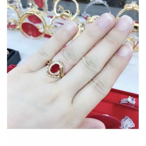 Nhẫn nữ cao cấp màu vàng 18 mặt đính ngọc đỏ cực đẹp