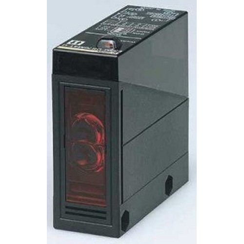 Cảm biến quang điện Omron E3JM-R4M4T