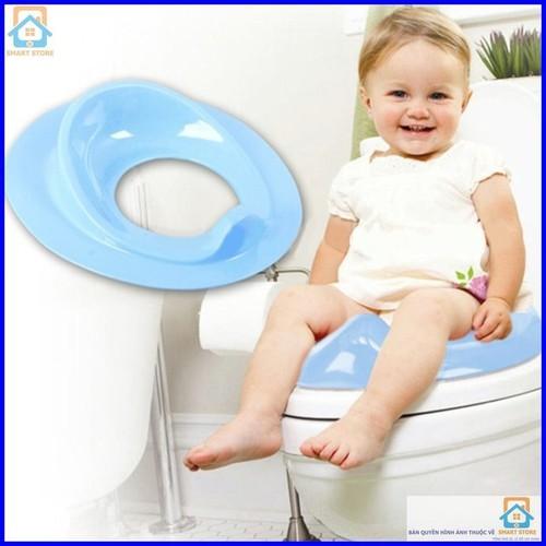 Thu nhỏ bồn cầu tiện dụng cho bé