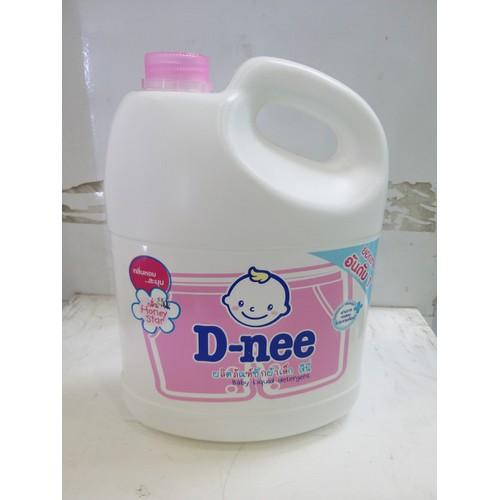 Nước giặt xả quần áo D-nee hồng 3L