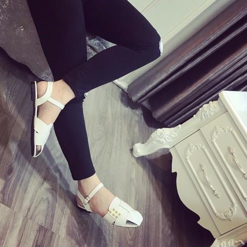 Giày sandal nữ bít mũi - 11760201 , 19100922 , 15_19100922 , 240000 , Giay-sandal-nu-bit-mui-15_19100922 , sendo.vn , Giày sandal nữ bít mũi