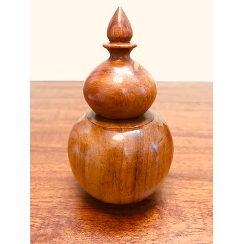 Hộp đựng tăm gỗ hương ta liền khối