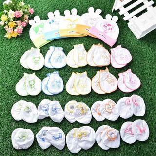 Bao tay bao chân sơ sinh - Combo 05 nón - 5 đôi bao tay - 5 đôi bao chân trắng dún in cho bé sơ sinh
