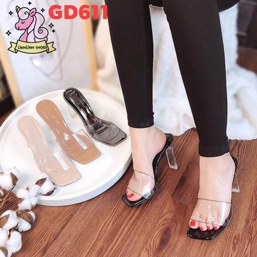 Sandal trong gót dẹt