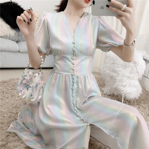 Váy cổ v thời trang nhẹ nhàng xinh xắn