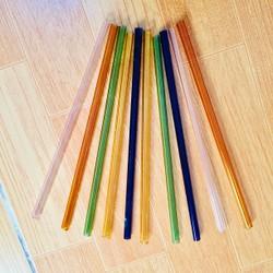 combo 10 ống thuỷ tinh màu 1 bịch túi kiếp mép 1 bịch ống hút trắng xoắn hai đầu