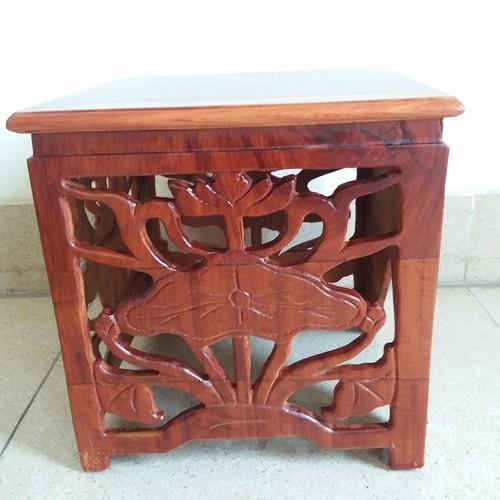 ghế -đôn gỗ hương kích thước cao 30cmx30cmx30cm