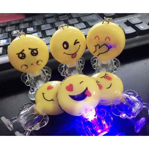 Emoj cảm xúc móc chìa khoá có đèn - 17247250 , 19311416 , 15_19311416 , 15000 , Emoj-cam-xuc-moc-chia-khoa-co-den-15_19311416 , sendo.vn , Emoj cảm xúc móc chìa khoá có đèn