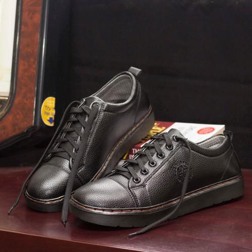 Giày nam đẹp giá rẻ | m90 - 020419 giày nam | giày nam đẹp | m90-21319 giay nam gía rẻ - giay dr nam phong cách - bụi trần - năng động m90 - với thiết kế màu đen sần - đế khâu chắc chắn  - 18999302 , 19374286 , 15_19374286 , 225000 , Giay-nam-dep-gia-re-m90-020419-giay-nam-giay-nam-dep-m90-21319-giay-nam-gia-re-giay-dr-nam-phong-cach-bui-tran-nang-dong-m90-voi-thiet-ke-mau-den-san-de-khau-chac-chan-ti-mi-duong-chi-vang-noi-bat-doc-dao-