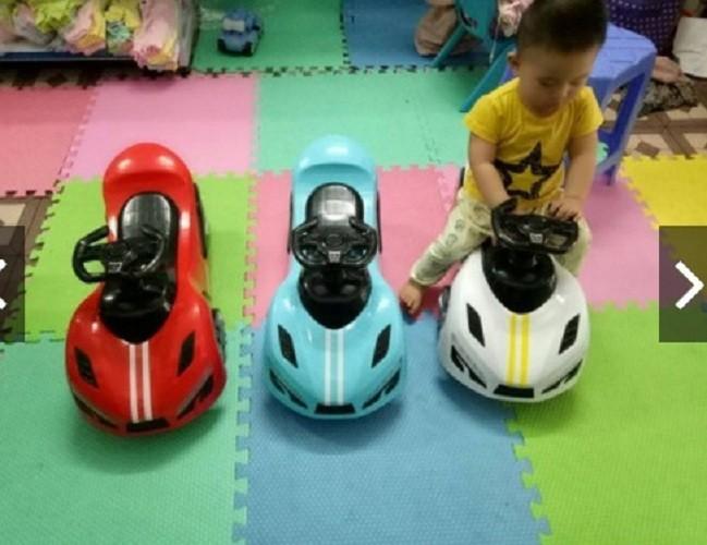 Xe lắc ô tô có nhạc 2 đèn - Xe bơi chòi chân cho bé hàng cao cấp