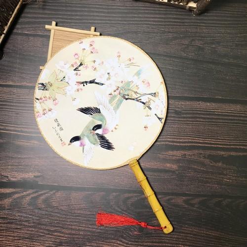 Quạt tròn cổ trang mẫu yến và hoa
