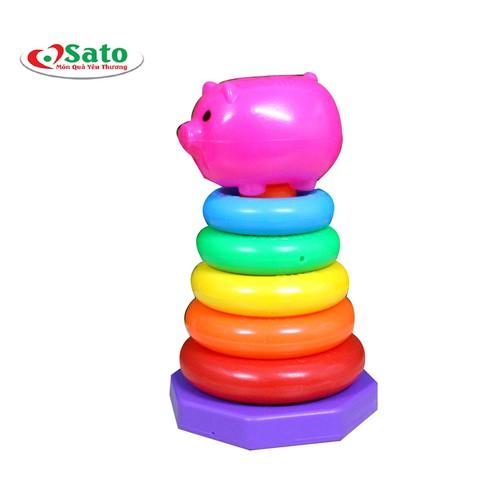 Trò chơi xếp vòng mầm non giúp bé phân biệt màu sắc và kích thước