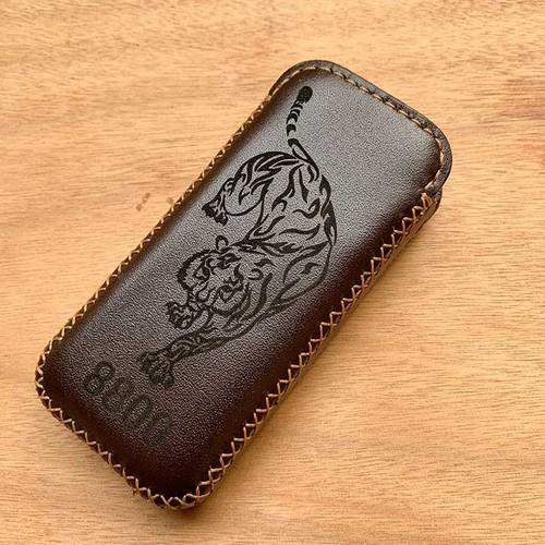 Bao da 8800 - da bò xịn - khắc hình hổ - sản phẩm thủ công dt403