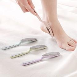 Dụng cụ chà gót chân mặt kim loại 2 trong 1