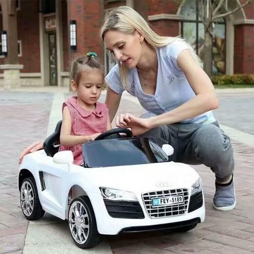 Ô điện trẻ em MODEL FEY-5189, Màu Trắng, 2 chế độ tự lái và điểu khiển, có đèn, còi, bảo hành 6 tháng