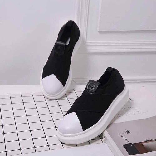 Giày slip on độn đế