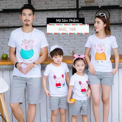 Áo gia đình lợn hồng