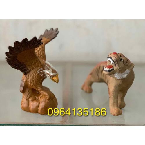 Tượng hổ và đại bàng gốm sứ Bát Tràng