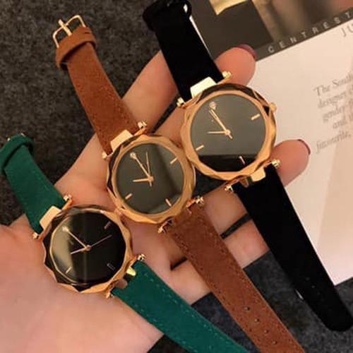 Đồng hồ đeo tay nữ mặt tròn chính hãng