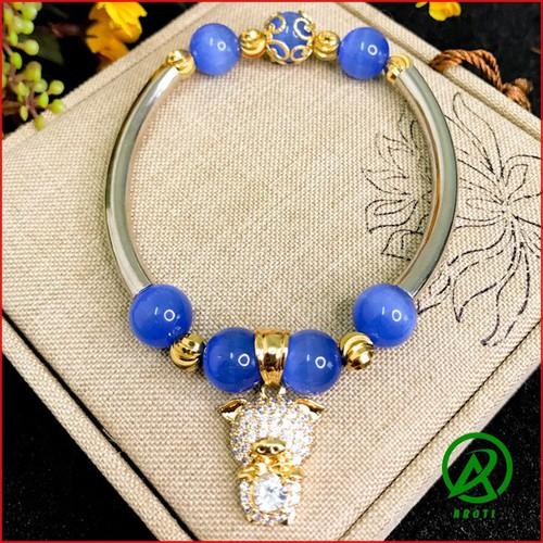 Vòng đeo tay nữ đá mã não 10mm mix cầu kim tiền đẹp -độc -lạ v370-10