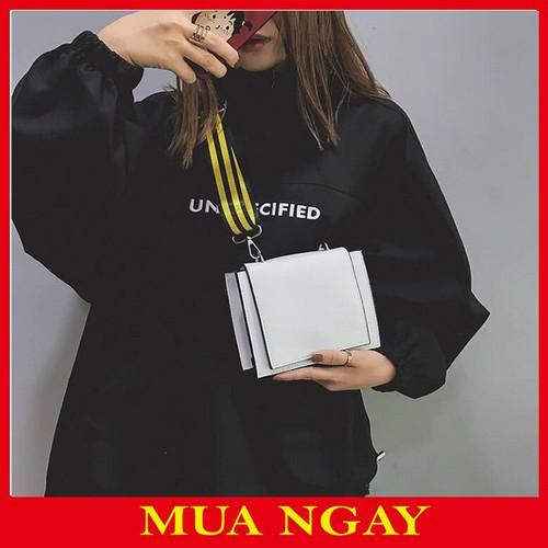 Túi nữ đeo chéo vuông da trơn sang chảnh - 12123259 , 19780342 , 15_19780342 , 129000 , Tui-nu-deo-cheo-vuong-da-tron-sang-chanh-15_19780342 , sendo.vn , Túi nữ đeo chéo vuông da trơn sang chảnh