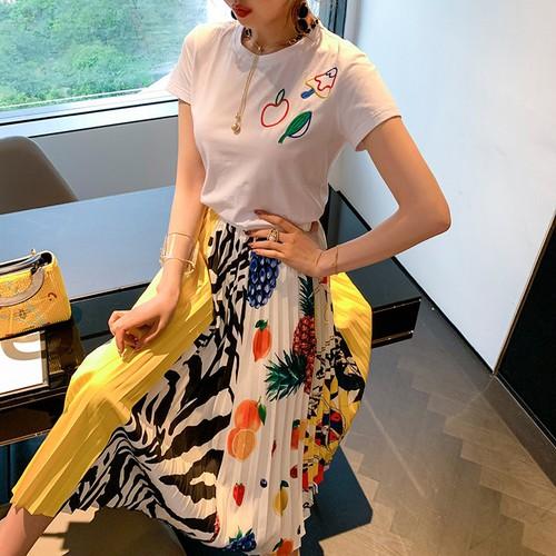 Sét đầm 2 món áo thun + chân váy xếp ly in họa tiết