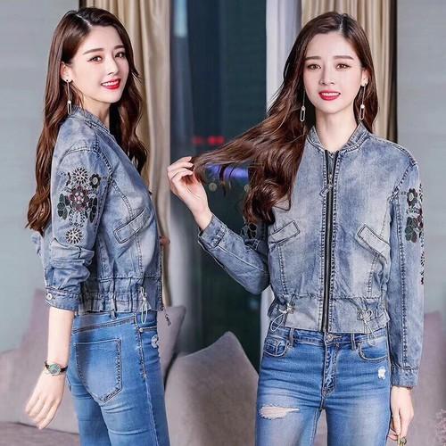 Hàng nhập-áo khoát jean thêu họa tiết bo eo