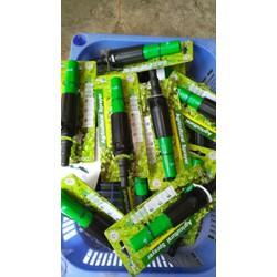 01 vòi xịt đa năng tiện lợi cho viec tưới lan xịt rửa sân vườn