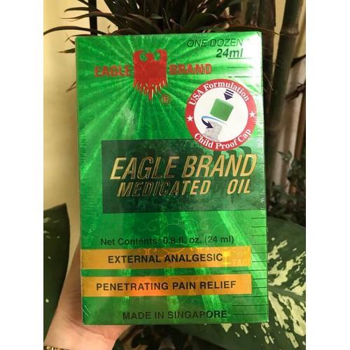 Lốc 12 chai dầu gió xanh mỹ eagle brand medicated oil 24ml