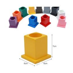 Giáo cụ Montessori - 11 Ống đựng bút
