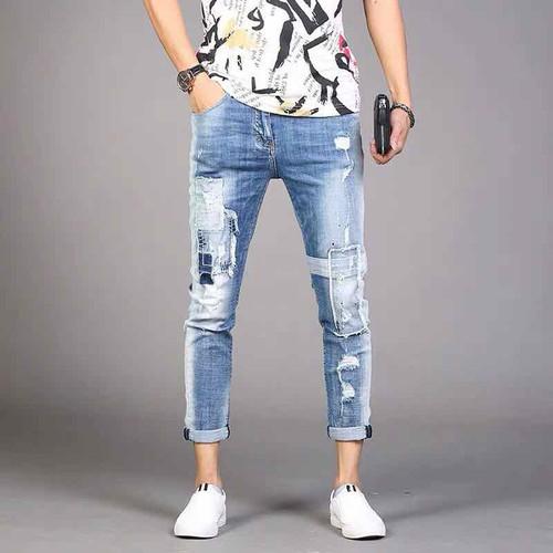 Quần jeans thêu thời trang