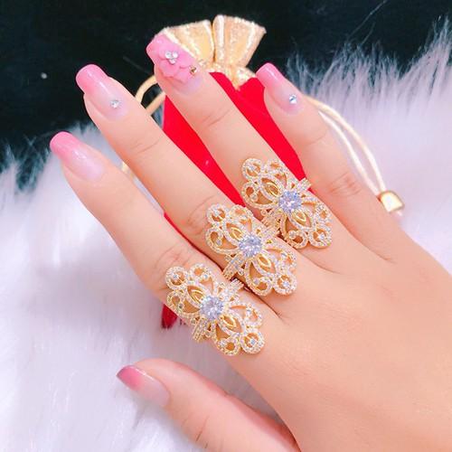 Nhẫn hoa dài vàng 18k phong cách Hàn Quốc