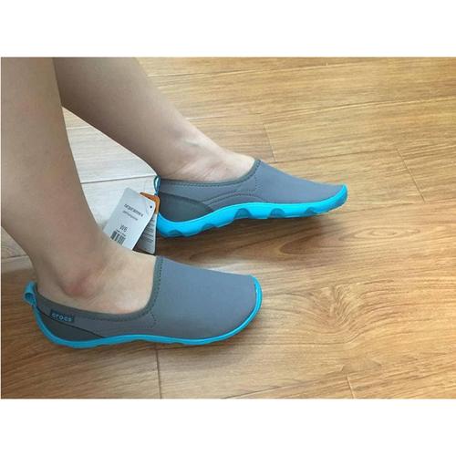 Giày vải chun crocs- skimmer ghi đế xanh cho nữ