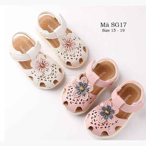 Dép - sandal tập đi cho bé gái 6 - 18 tháng gắn hoa xinh xắn sg17