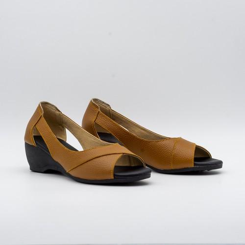 Jasmine – giày đế xuồng 5cm hở mũi da thật màu nâu