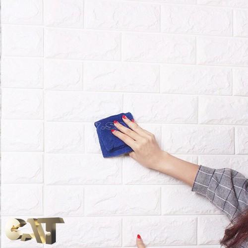 Một tấm xốp dán tường 3d trắng 0,4 cm