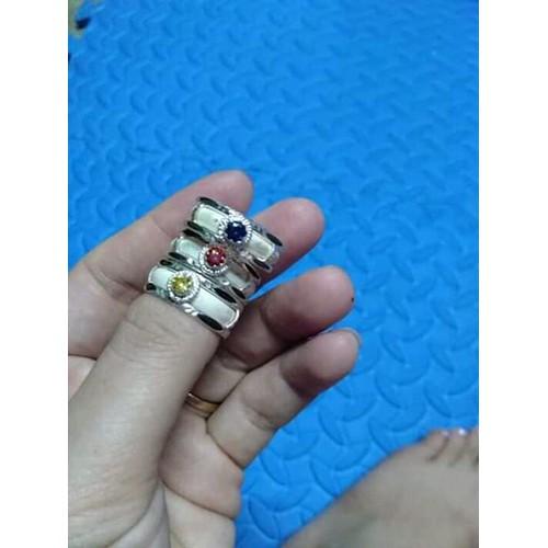 Nhẫn đeo tay