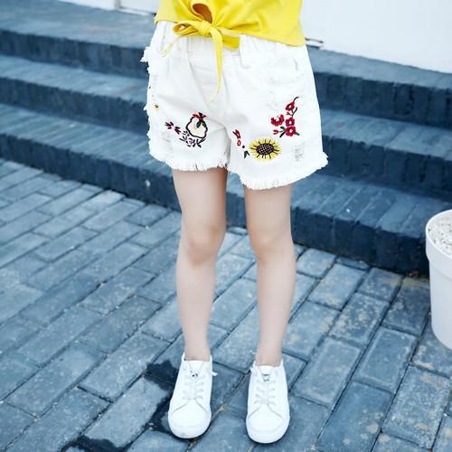 Quần short lỗ trắng thêu hoa thời trang cho bé gái