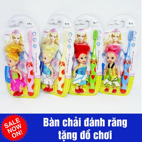 Bộ 4 bàn chải đánh răng cho bé kèm quà tặng búp bê baby đồ chơi