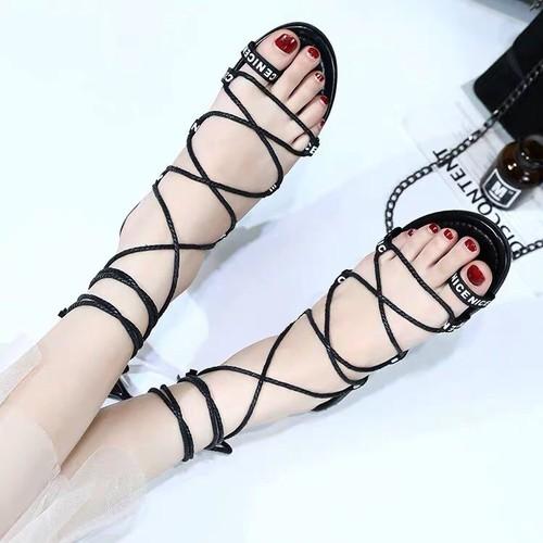 Giày sandan cột dây mã mới  quãng châu