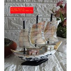 Thuyền phong thủy thuận buồm xuôi gió bằng xà cừ biển